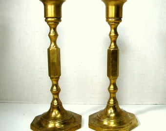 Candlesticks, Pair of Brass Colonial Style Candle Holders, Shabbas, Classic Early American, Thanksgiving Table Perfect, Heavy 1980s, Shabbat