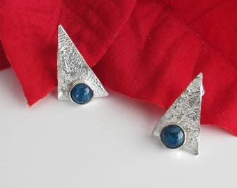 Blue Studs: Sterling Triangles Hold Apatite Cabs for Cute Post Earrings 925 Posts