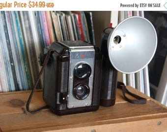 SALE 25% OFF 1950's Argus Argoflex 75 Camera with Flash