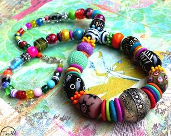 Boho Rainbow . Collier sautoir Unique bohème ethnique verre multicolore fait main Tikaille design original