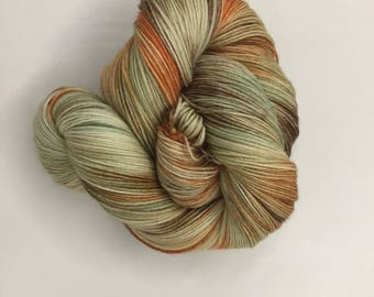 Autumn Leaves - Hand-dyed Merino Sock Wool 4 ply