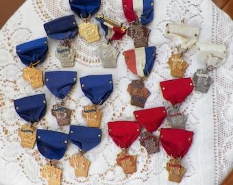 Lot 17 Vintage Wisconsin Music Bar Ribbon Award Pins, Awards, Ribbons, Wisconsin / WSMA Festival, Solo Ensemble, State, District, Medalcraft