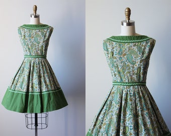 50s Dress - Vintage 1950s Dress - Olive Green Floral Cotton Full Skirt Sundress Petite S M - Jumping Rope Dress