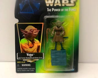 Vintage Star Wars Action Figure Yoda with Cane and Dagobah Backpack, 1997 Star Wars Power of the Force Toy