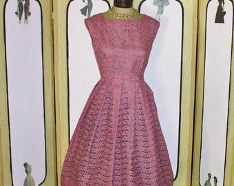 Summer Sale 20% Off Vintage 1950's Mauve and Pewter Eyelet Party Dress. PETITE. Small. MINT.