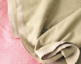 """Light Green Wool Fabric - Historical Costume Reenactment - Destash - 62'' or 157cm Wide, 114"""" or just under 3 Metres Long - Superb Quality"""
