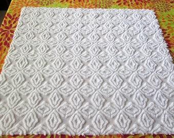 "Bright White Hofmann Open Star / Gothic Cross 26"" x 24"" Vintage Chenille Bedspread Fabric"