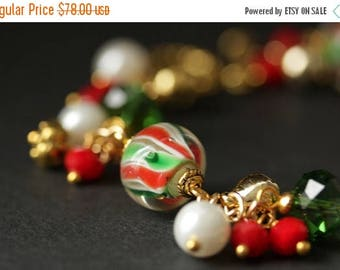 SUMMER SALE Christmas Bracelet. Candy Cane Swirl Lampwork Glass Bracelet. Christmas Charm Bracelet. Holiday Jewelry. Christmas Jewelry. Hand