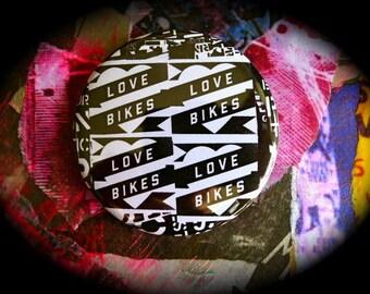Bottle opener magnet 56 mms 'Love Bikes'
