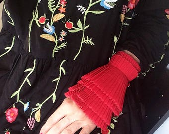 NEW Red Detachable Pleated Cuffs/White cuffs/Detachable cuffs/Cuffs Sleeve/Fashion sleeve/Jacket sleeve/Pleats