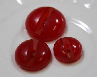 Bakelite Buttons 3 Cherry Red Carved Bakelite Buttons Matching Buttons 3 Sizes Red Bakelite