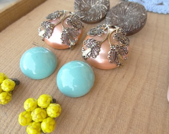 4 Pairs. Matching Vintage Earrings Lot. Aqua Yellow Filigree Mauve Gold Cluster Earrings  jewelry Lot E57