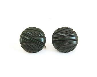 Carved Bakelite Earrings, Bakelite Button, Green Black, Vintage Bakelite, Vintage Earrings, Bakelite Earrings