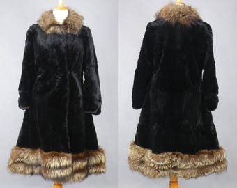 Vintage 1950s Fur Princess Coat, 50s Fit and Flare Coat, Rabbit Fur and Fox Fur Tanuki Raccoon Coat, 1950s Fur Coat, Winter Coat M - L