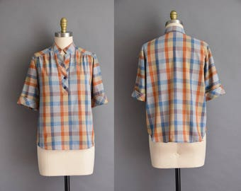50s cotton plaid vintage blouse. vintage 1950s blouse.
