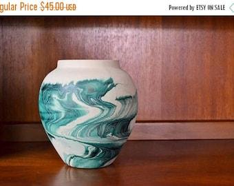 CIJ SALE 25% OFF vintage nemadji pottery vase / southwestern home decor / mid-west boho decor