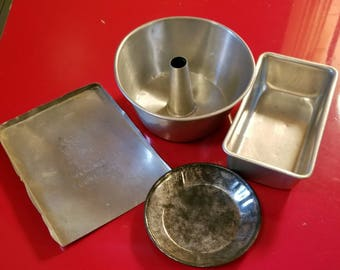 Vintage Childs Aluminum Tin Toy Play Kitchen 4 Piece Baking Pans
