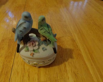 Lefton China Porcelean parakeet trinket box #3433 like new condition - Parrots- Lovebird trinket box