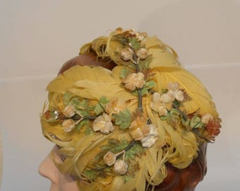 Wedding Party Arrives - Vintage 1940s 1950s Lemon Yellow Curled Feather & Floral Cookie Cutter Hat Fascinator