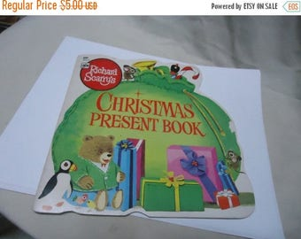 Back Open Sale Vintage 1981 Christmas Present Book Richard Scarry's, 2nd printing,  collectable, childrens