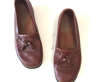 vintage leather shoes - CHESNUTS brown leather loafers / sz 7.5