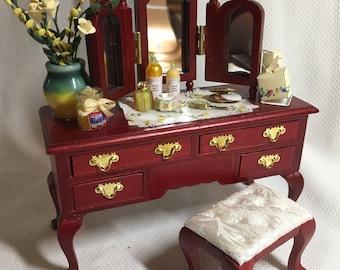 Dolls house Miniatures - Dressing Table - Mahogony