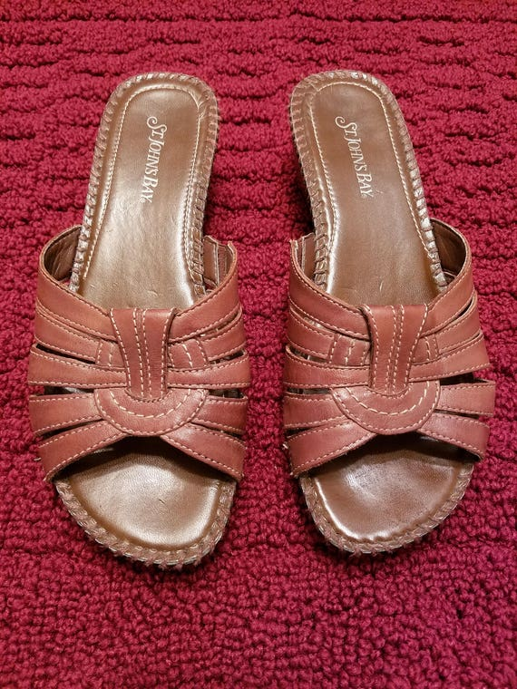 St Johns Bay Leather Sandals Mules - Used Excellent Condtion - Size 8-1/2 M