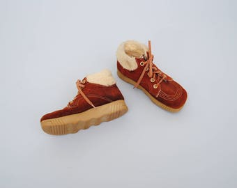 Vintage BOHO Booties 60s Suede Rolling Gum Sole Faux Sheepskin Platform Winter Boots 70s
