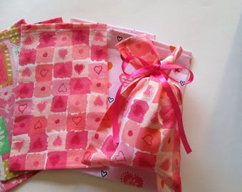 Cloth Gift Bags, Valentine Gift Bags, Party Bags,  (6) Six gift bags, Hearts and Love for Valentines, Cloth Bags, Gift Bag, Party Favor