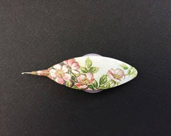 Tatting Shuttle (Wild Rose)  - with two bobbins