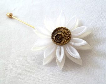 Water Lily Lapel Pin with Vintage Button Kanzashi Flower Brooch Stick Pin