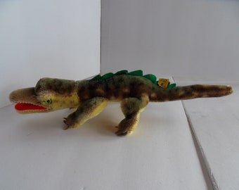 Steiff Alligator crocodile miniature mohair button flag made in Germany 2424