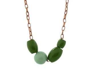 Copper chain necklace, wooden bead necklace, wood jewelry, green asymmetric necklace, geometric jewelry, long necklace, eco friendly jewelry