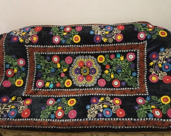 Vintage Uzbek silk embroidery on black velvet suzani. Bed cover, wall hanging, home decor suzani. SW053