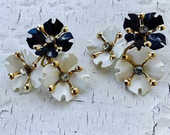 Earrings-Vintage -Mid-Century-Cluster-1960's-Floral-Pin-Up-Bridal-Clip on earrings