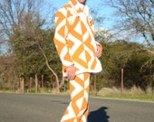 Mens Suit Crochet Two Piece Jacked and Pants White and Tan Diamonds L