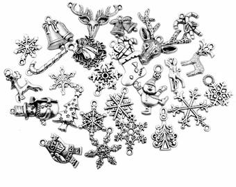 50pcs Mixed Christmas  Charm Collection Christmas Snowflake Socks Santa Claus Deer Charms Pendant for Jewelry Making DIY Crafts M2