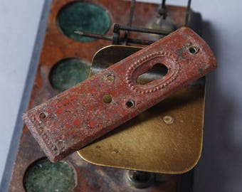 Antique Elegant Victorian style key hole escutcheon