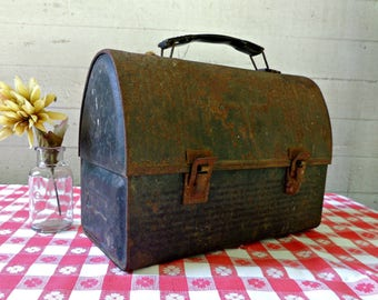 Vintage Metal Lunch Box  Lunch Pail / Thermos Lunch Box / Rusty Metal Lunch Pail / Thermos V Lunch Box / Metal Storage Box