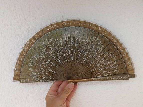 Gold Metallic Fret Ribs Traditional Design Spanish Hand Fan Limited Edition