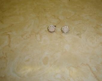 vintage screw back earrings silvertone rhinestones moonstone