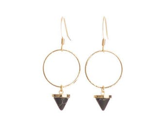 Gold and Black stone - Faux Stone - Gold plated - Tarnish resistant ear hooks - Circle earrings - Nickel free ear hooks