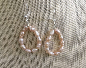 Pink Pearl Hoop Earrings Pink Earrings Pink Hoop Earrings Bridal Earrings Bridesmaid Jewelry Bridal Party Wedding Jewelry Pink Pearl Earring