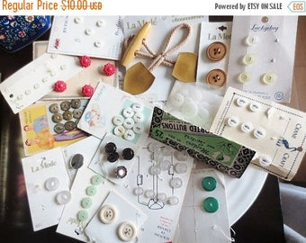 30% OFF SALE Vintage Buttons Carded Lot 17 styles Assortment for DIY