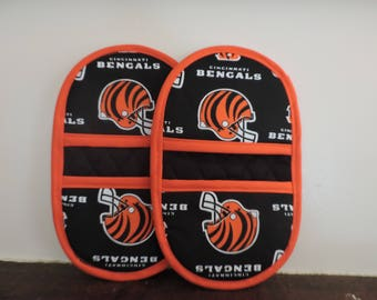 Mini Microwave Mitts-Oven Mitts-Pinchers-Cincinnati Bengals w/Orange Trim-Free Shipping