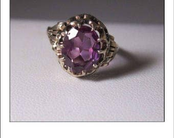 Vintage 14k color change Alexandrite Ring