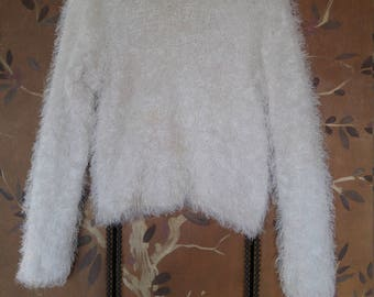 90s white fuzzy sweater / jumper