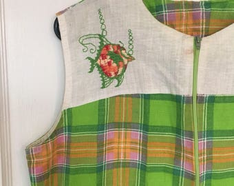 Vintage house dress 70s front zip fish embroidery pocket green plaid