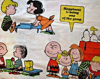 Vintage 1971 70s PEANUTS Charlie Brown Snoopy Charles Schultz Flat Sheet Size TWIN