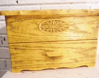 Retro jewelry box yellow plastic fois bois vintage trinket storage